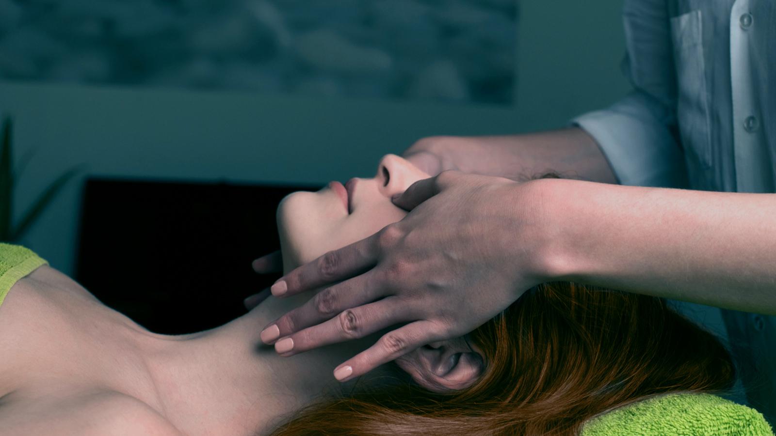 masaż tważy
