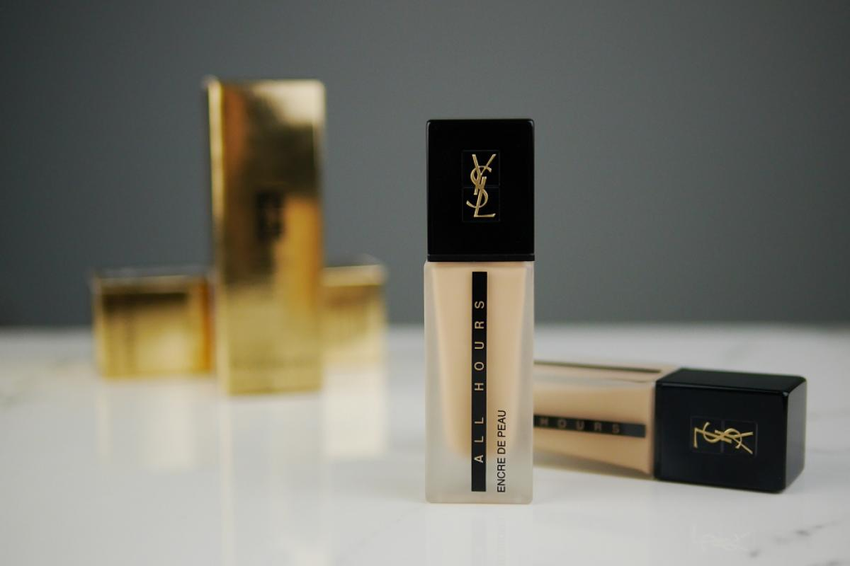 yves-saint-laurent-encre-de-peau-all-hours.jpg